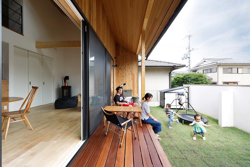 大屋根の棲家